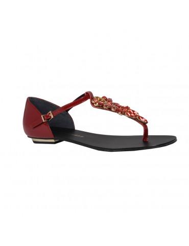 sandales empierrées