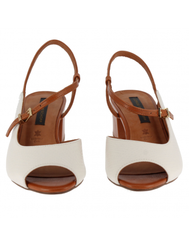 sandales couvrantes petit talons carrés